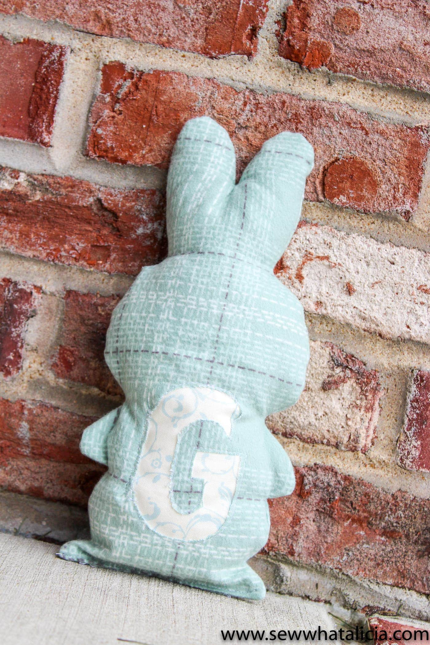 Easy Stuffed Bunny Tutorial