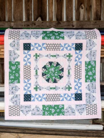 Learn how to make a medallion quilt; the Derby Days Medallion Quilt pattern, a free quilt pattern