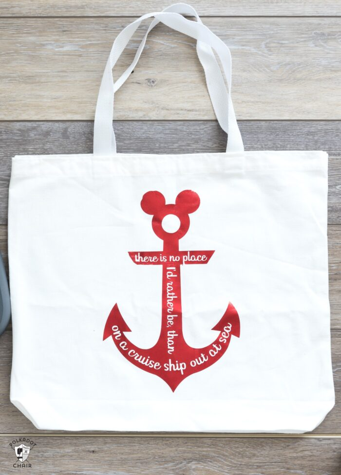 Learn how to make personalized Disney Cruise Tote bag. Wear matching Disney shirts on your next trip. Includes free SVG files #disneycruise #diydisney #disneycruiseshirts #cricut #cricutmade #freesvgfiles #diytshirt