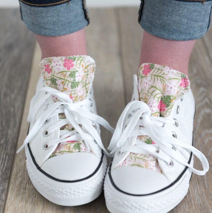 How to customize your converse with fabric - a DIY way to decorate the tongue of your converse shoes. How to add fabric to shoes #DIYfashion #DIYConverse #CustomConverse #CustomShoes #DIYCustomShoes #decorateshoes