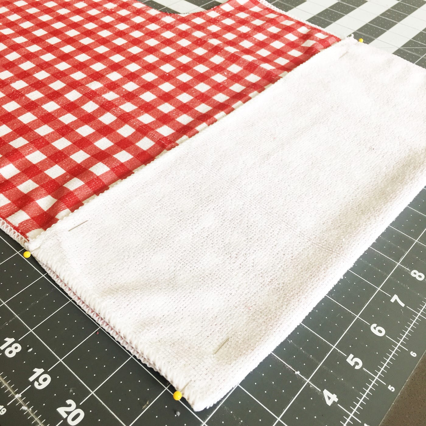 how to make a pocket at the bottom of the apron