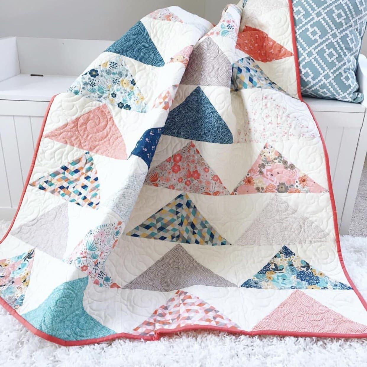 Minimal Triangles Quilt Pattern