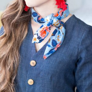 How to sew a scarf- a fun small square scarf tutorial #sewascarf #DIYScarf #sewing #sewingtutorial #sewingpattern