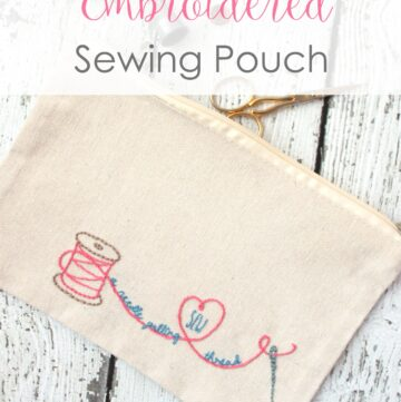 "Adorable ""Sew a Needle Pulling Thread"" Zip Bag 