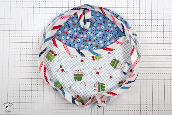 Round pot holder on white table
