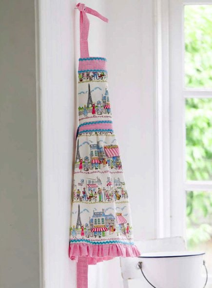 "Vintage Apron from ""Sewing Made Simple"""
