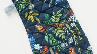 Winter Floral Oven Mitt