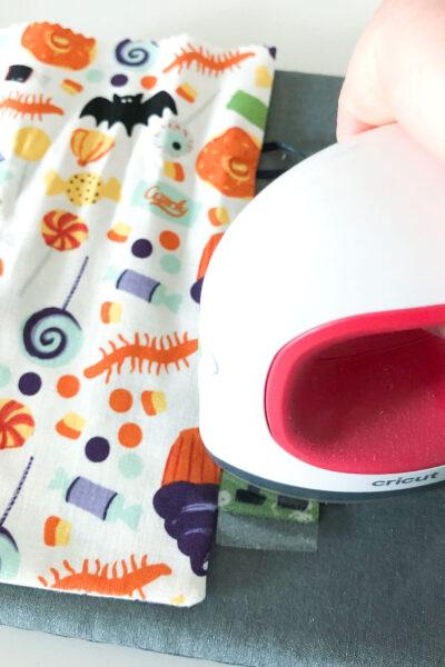 cricut easypress mini on halloween fabric